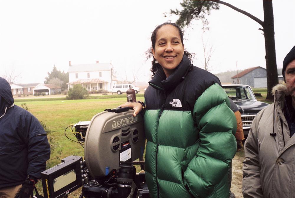 Gina Prince-Bythewood on the set of <em>The Secret Life of Bees</em>