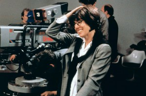 NORA EPHRON Film 'LUCKY NUMBERS' (2000) Directed By NORA EPHRON 24 October 2000 CTD10863 Allstar/Cinetext/PARAMOUNT PICTURES **WARNING** This photograph can only be reproduced by publications in conjunction with the promotion of the above film. For Editorial Use Only